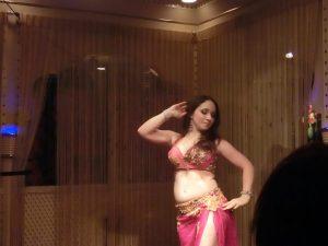 Hawaii Belly Dancer Ariyana